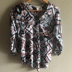 Lucy Love patterned button up blouse w pockets